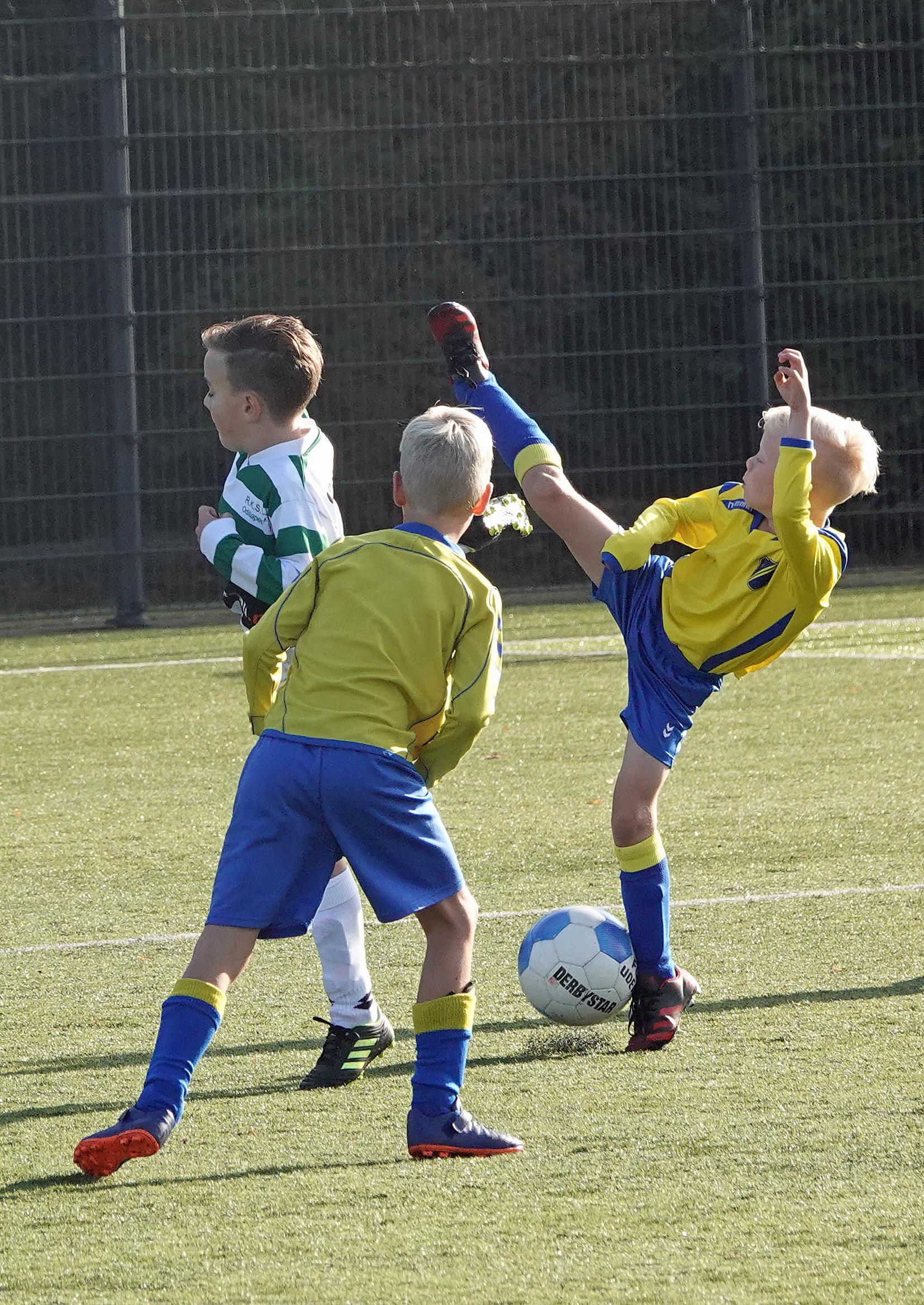 Voetbal FC Uden JO9 – 2G tegen Odiliapeel/Braks Gro JO9 – 1G (26 september2020)